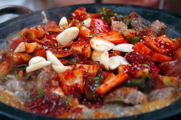 Korean_cuisine-Kkomjangeo_bokkeum-01